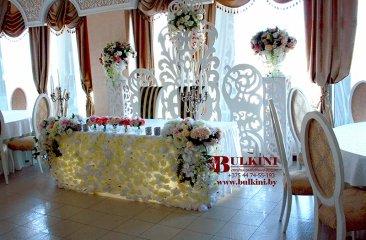 belyj-i-tsvety-restoran-belvedere