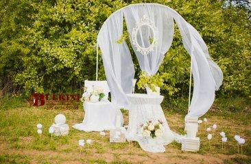 dekor-v-stile-all-white-les
